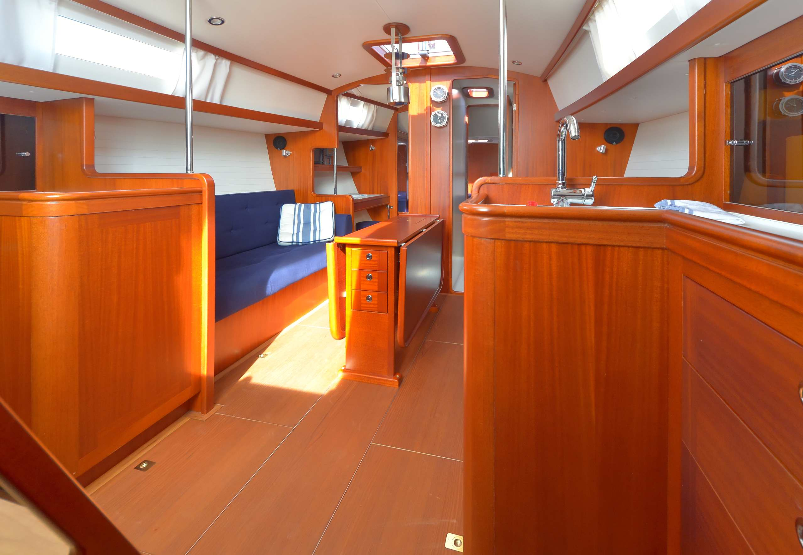 Celeste 36 - cosy and bright