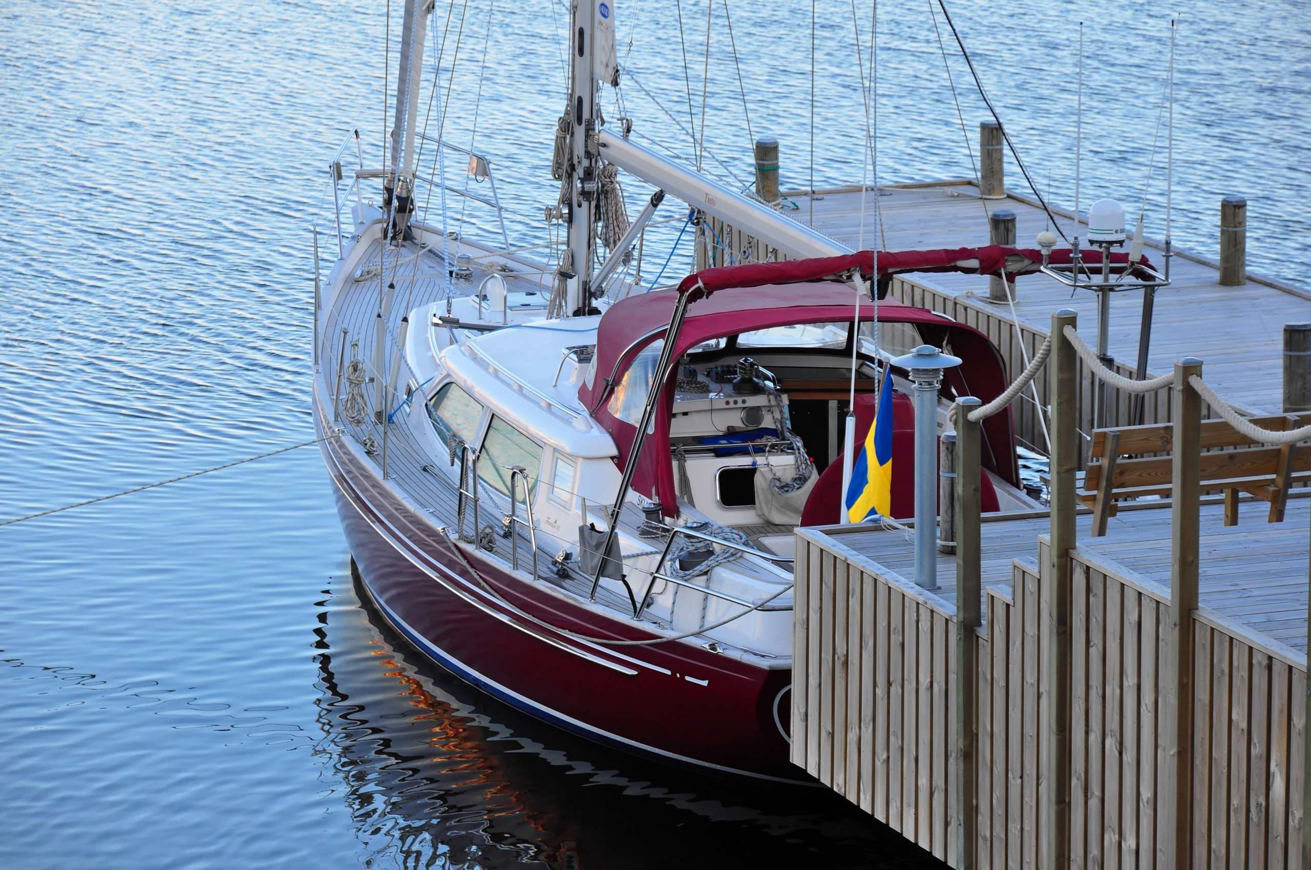 Fantasi 44 'Tinto' at home dock
