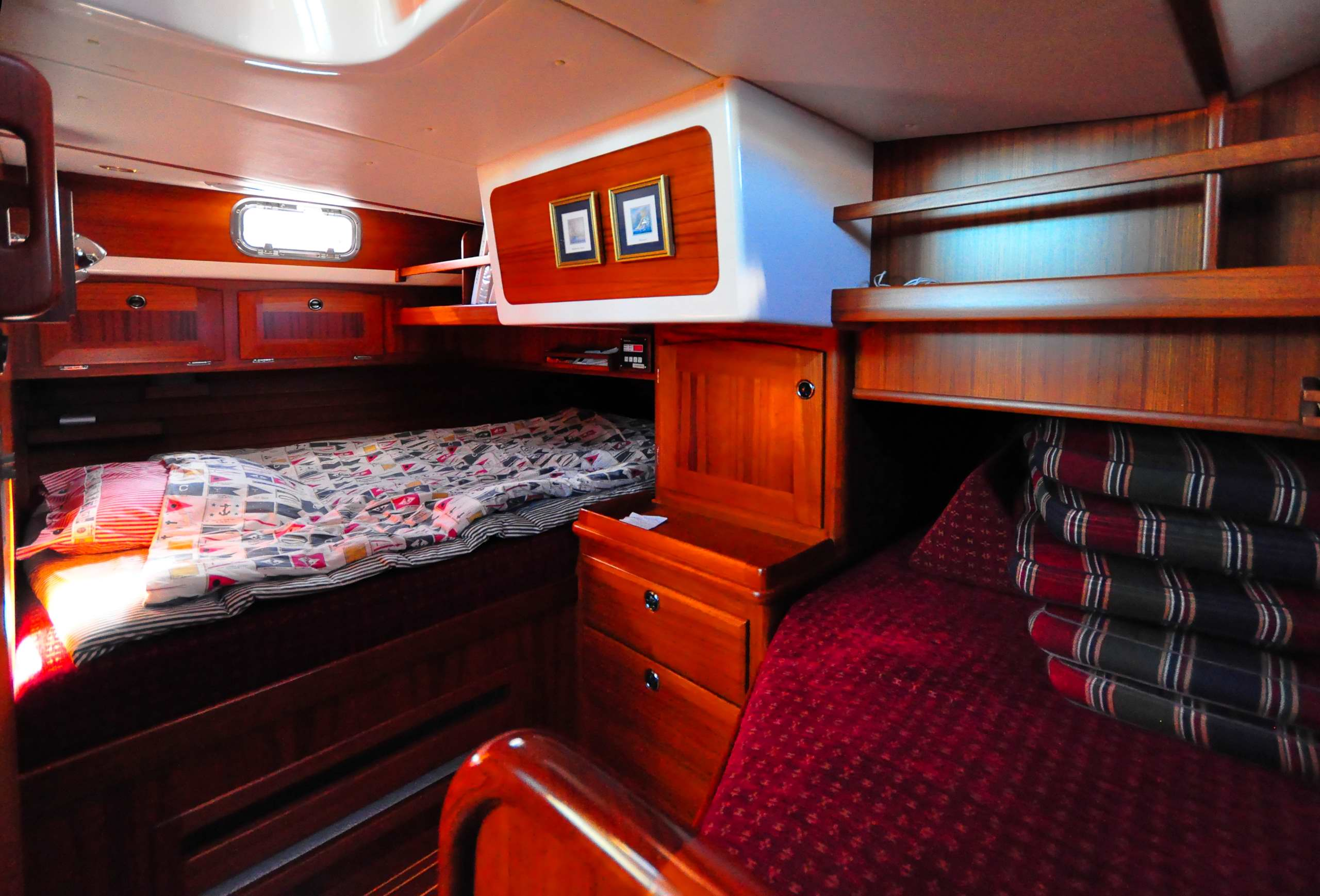 Fantasi 44, double berth aft to starboard, single to port