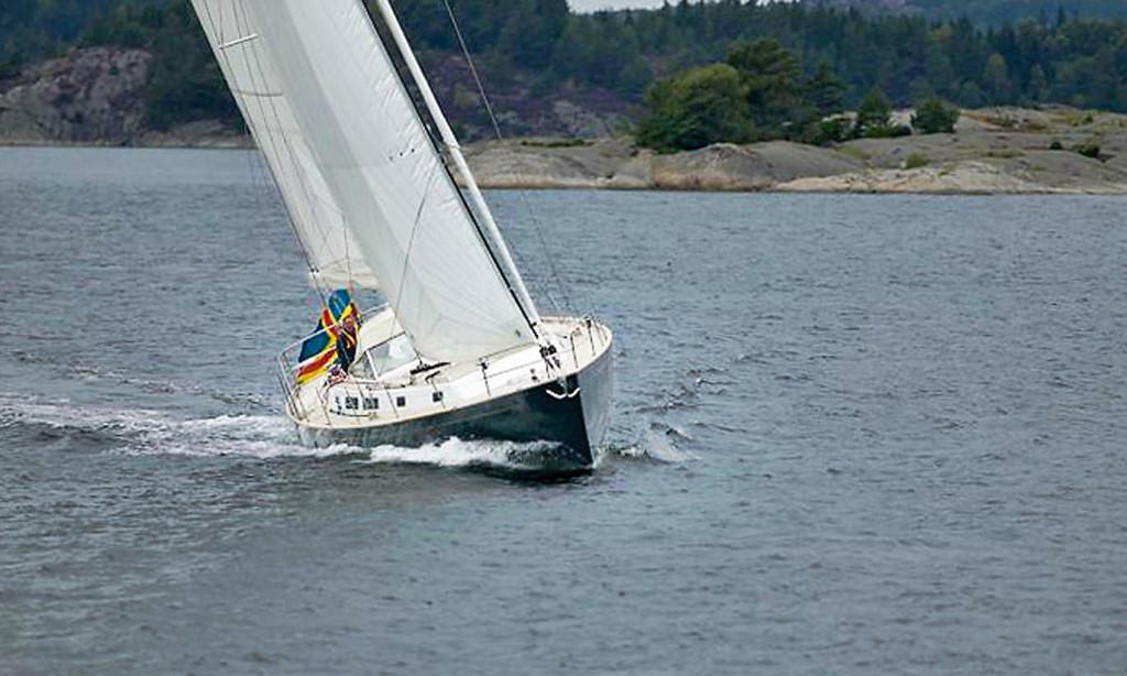 Cruising in Scandinavian waters made easy with self-tackiing jib