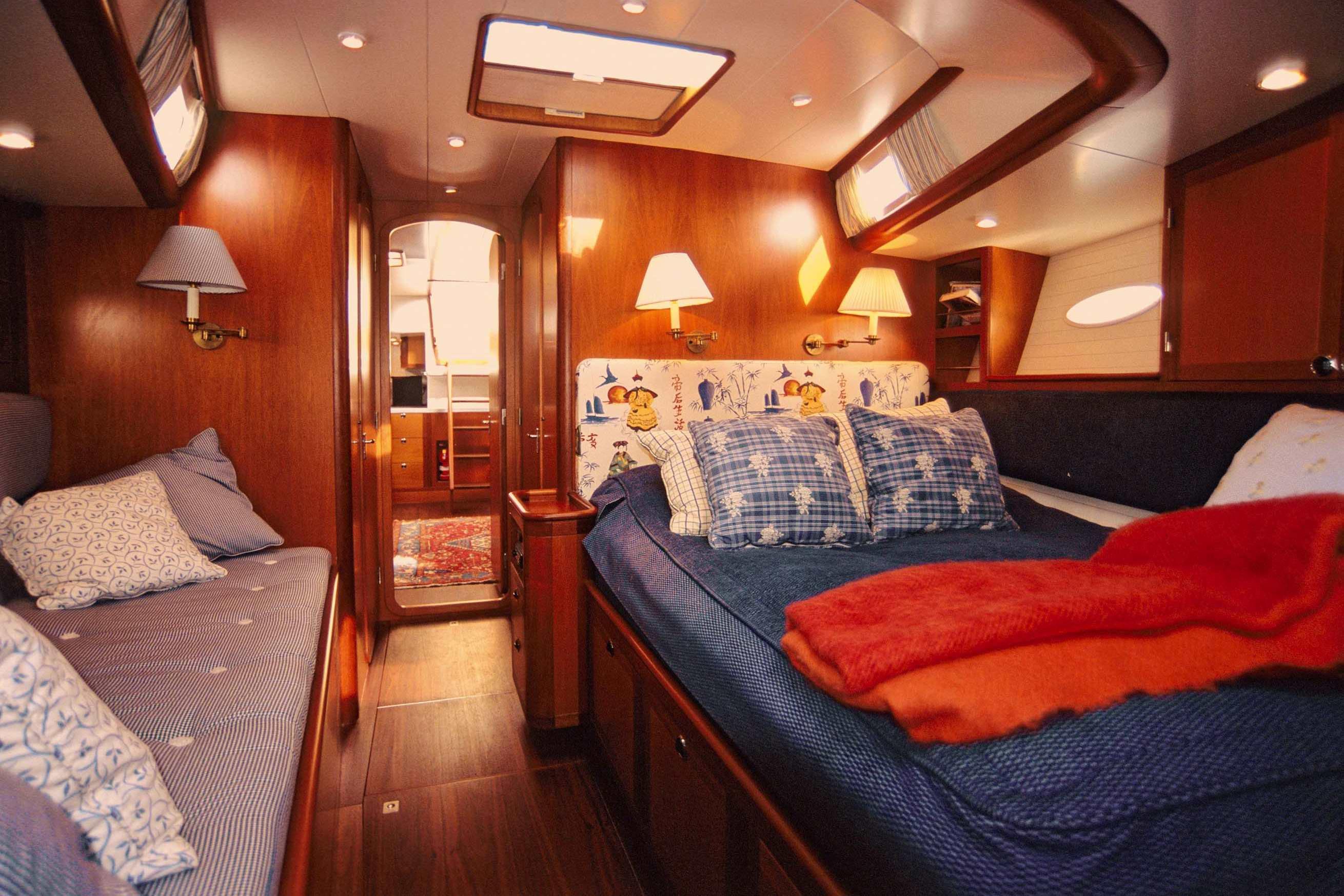 Heyman 57', Owner's cabin forward