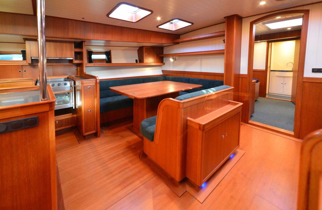 64' dining, forward to port