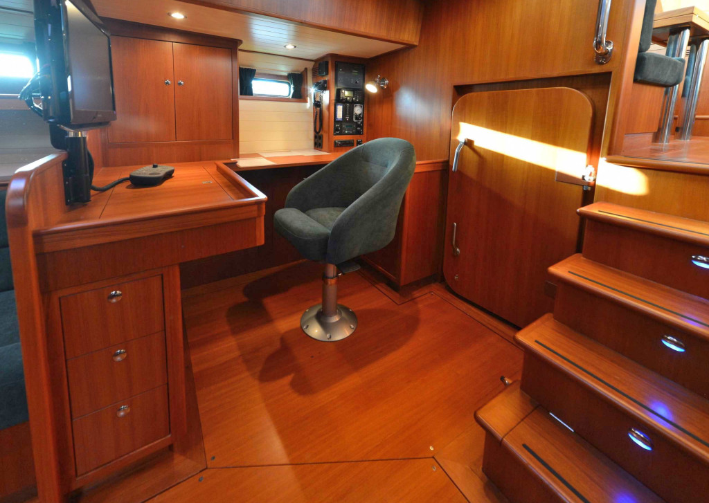 64' office, starboard aft