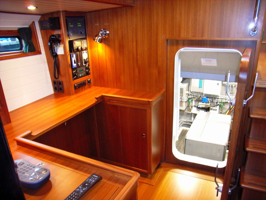 64' entrance to engine room from navigation / office